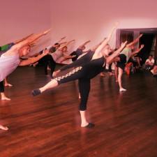 """Movimento do """"T"""" – Dança Moderna Project"""